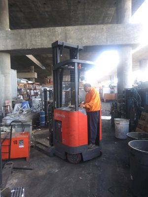 2007 model 7 3000lb 3 stage reach stand up forklift for Sale in Long Beach, CA