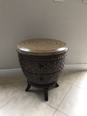 Side marble table for Sale in Miami, FL