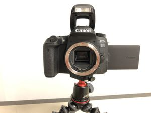 Canon EOS 77D DSLR USED Camera BODY ONLY for Sale in San Francisco, CA