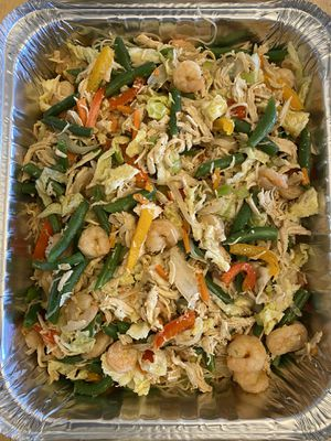 Filipino food for pickup or delivery within my area - #pancit#eggroll#chickenmacaronisalad#cassavacake for Sale in Stewartstown, PA