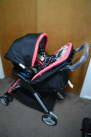 3 in 1 stroller and car seat set. for Sale in Salt Lake City, UT