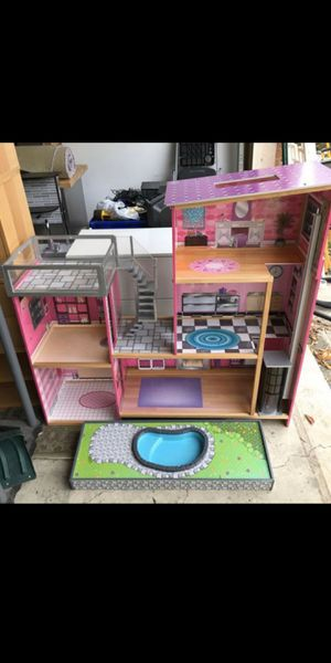 Doll house for Sale in Northbrook, IL