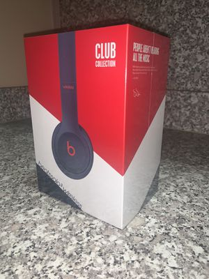 BRAND NEW SEALED Beats Solo 3 Wireless Headphones for Sale in Rochester Hills, MI
