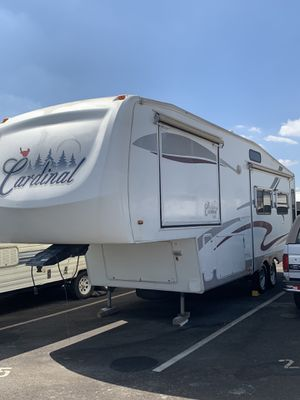 2005 Forest River Cardinal fifth wheel 30ft for Sale in Rancho Cucamonga, CA