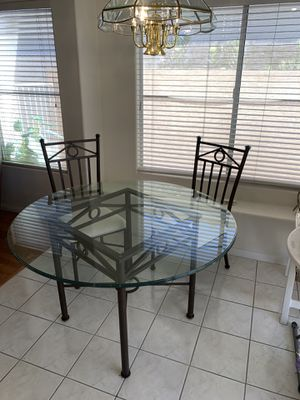 Kitchen table with 4 chairs for Sale in Las Vegas, NV