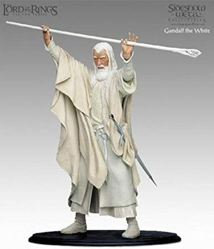 Lord of the Rings Gandalf the White and Balrog statue for Sale in Fresno, CA