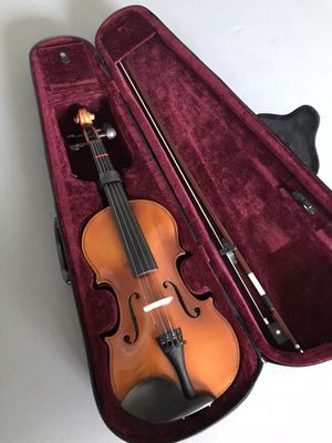 4/4 Violin with Rosin, strings, extra bridge, and shoulder rest! for Sale in Miami, FL
