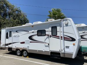 2005 prowler regal 29ft with large slide out for Sale in Rancho Cucamonga, CA