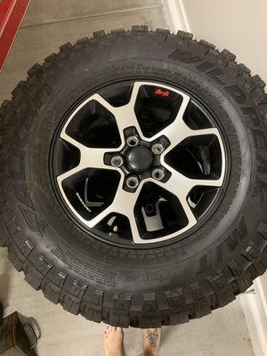 lt285/70r17/116/113q wildpeak m/t 2020 Jeep rubicon OEM wheels for Sale in Sun City, AZ