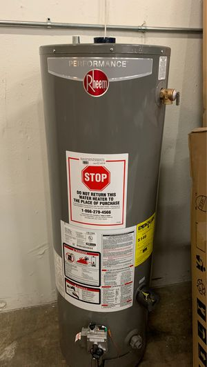 Natural gas water heater for Sale in Phoenix, AZ