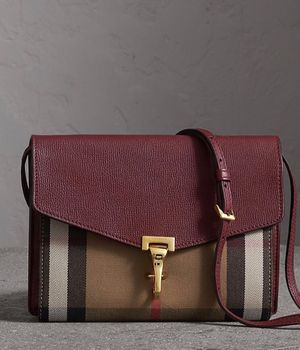 Woman Burberry bag for Sale in Philadelphia, PA