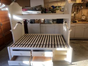Bunk bed. Twin over full for Sale in San Diego, CA