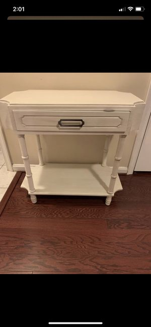 Wood end table for Sale in Springfield, VA