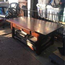Large Wooden Coffee Table (with Wheels) for Sale in Prineville,  OR
