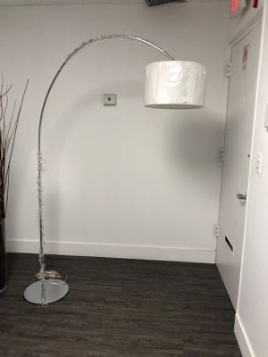 "Z GALLERIE ARCHIE FLOOR LAMP- CHROME 79""TALL 58""WIDE for Sale in Miami Gardens, FL"
