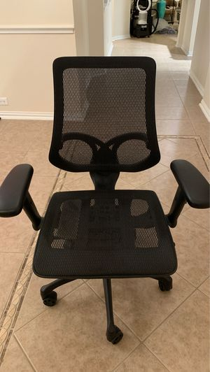 Mesh office chair for Sale in Houston, TX