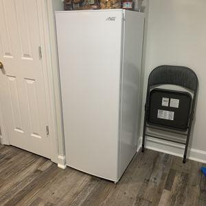 Upright Freezer 5.3 CF Arctic King White Brand New Condition for Sale in Lorton, VA