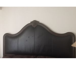 King size bed frame (head board and bottom board) for Sale in Liverpool, NY