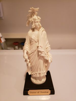 Nice Statue of Freedom. Very collectible Item. for Sale in Kent, WA