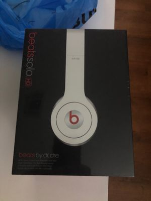 Beats by Dre Solo HD Vintage brand new sealed white for Sale in Las Vegas, NV