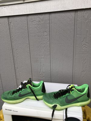 NIKE SHOES SIZE 8 LIKE NEW for Sale in Tacoma, WA