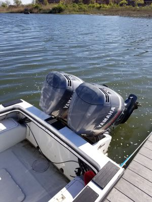 95 Dusky center console,(2) 200 Yamaha v6 fuel injected 200 hrs each for Sale in Queens, NY