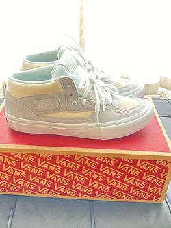 VANS HALF CAB SIZE 10 for Sale in New York,  NY