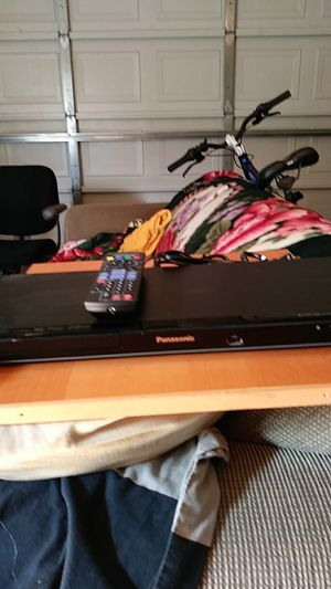 Panasonic blueray + dvd player with buit in wifi for Sale in Sacramento, CA