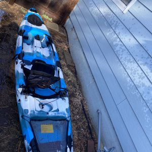 Field & Stream Teal Camo Kayak for Sale in Chico, CA