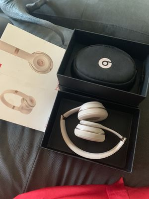 Wireless solo beats in rose gold for Sale in Portland, OR