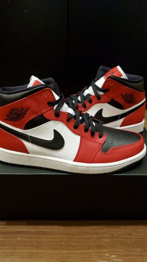 Air Jordan 1 Mid Chicago black toe for Sale in Lynnwood, WA