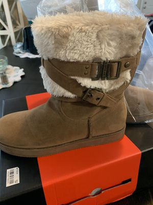 Guess women boots size 7 1/2 wore once around the house $30 for Sale in Palm Harbor, FL