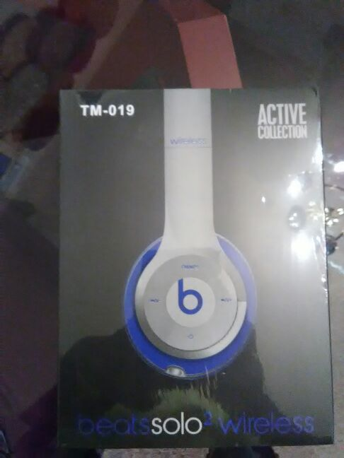 Wireless beats by Dr Dre