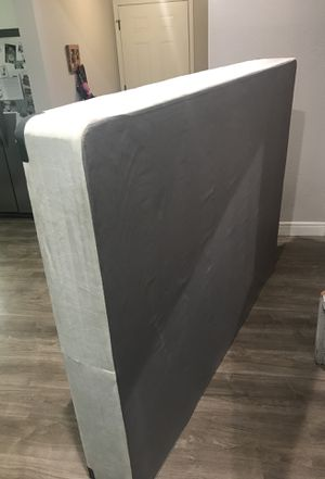 Queen size box spring for Sale in Tampa, FL
