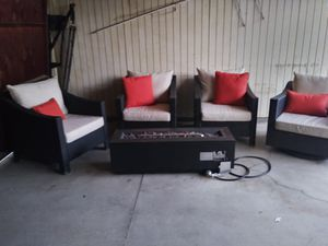 Outdoor patio furniture set for Sale in Glendale, CA