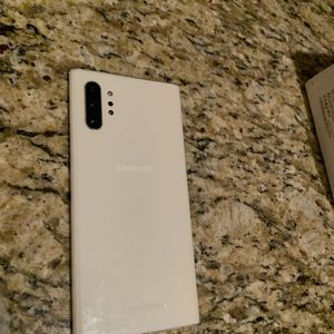 Samsung Note 10+ 5G UNLOCKED for Sale in Strongsville, OH