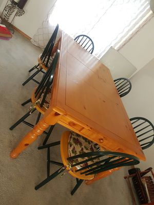 Dining table with Chairs for Sale in Seattle, WA