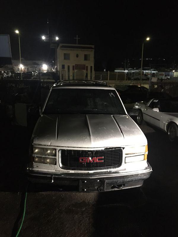 1999 GMC YUKON 4x4 159k Clean Title 1600.00