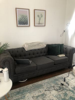 Chesterfield couch for Sale in Chicago, IL