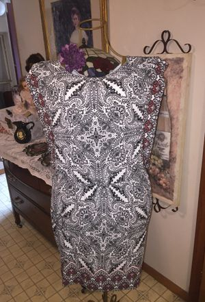 Designer short stretch summer dress club wear dates square top open sides cool style black& white hint of wine gathered waist slip on size8 misses for Sale in Northfield, OH