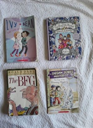 4 chapter kids books for Sale in San Bernardino, CA