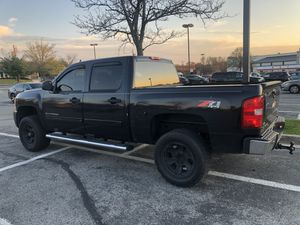 2010 Chevy Silverado LT( Salvage Title) for Sale in Hillcrest Heights, MD