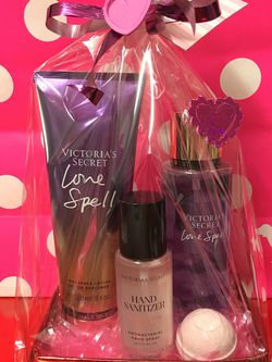 Victoria Secret Love Spell Gift Set for Sale in Rosemead,  CA