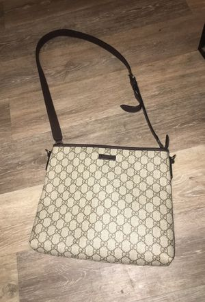 Gucci messenger bag for Sale in New Britain, CT