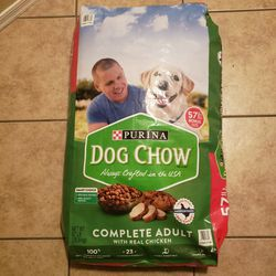 57lb Purina Dog Chow for Sale in Surprise,  AZ