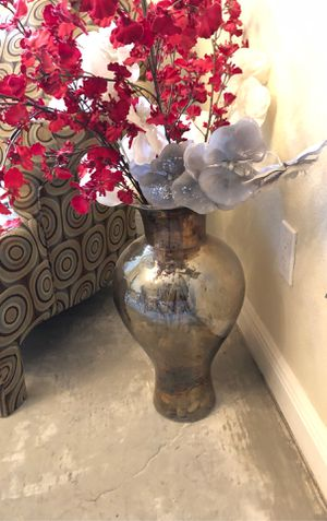 Vase for Sale in Largo, FL
