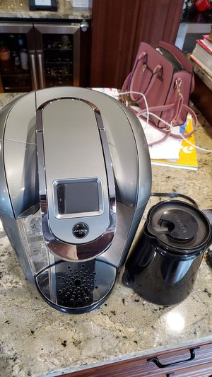 Keurig 2.0 coffee maker with Carafe and manuals for Sale in Federal Way, WA