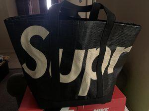 Supreme Raffia Tote Bag for Sale in Pittsburg, CA