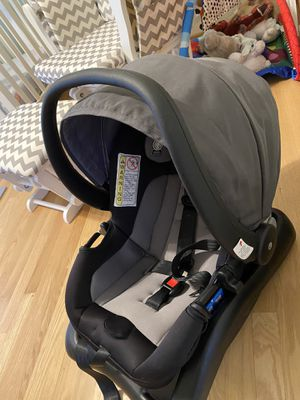 Safety First Car seat for Sale in Everett, WA