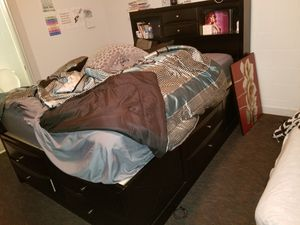 Queen sized Platform bed frame for Sale in Ocala, FL